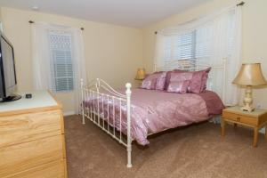 Florida Villa To Rent - First Floor Master Bedroom 2